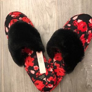Victoria secret brand new with tags slippers